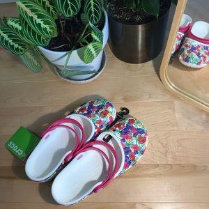 Crocs Floral Karin Clog — New